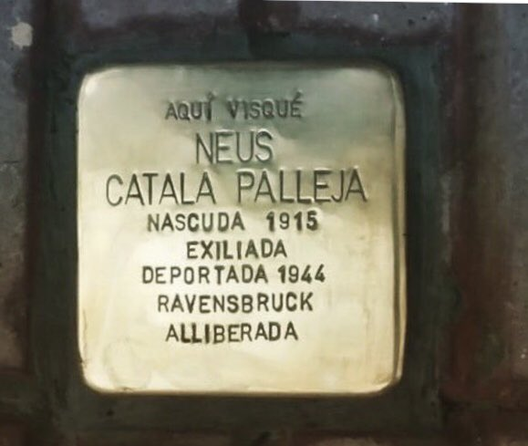 Neus Català té una #Stolpersteine dedicada davant la casa on va néixer, als Guiamets (Priorat). DEP https://t.co/ZOkkoGgK11