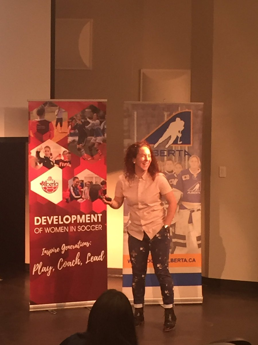 Thank you for inspiring and entertaining us, @cmoscato4 - it was a pleasure hearing your story!   #WISC2019 @HockeyAlberta