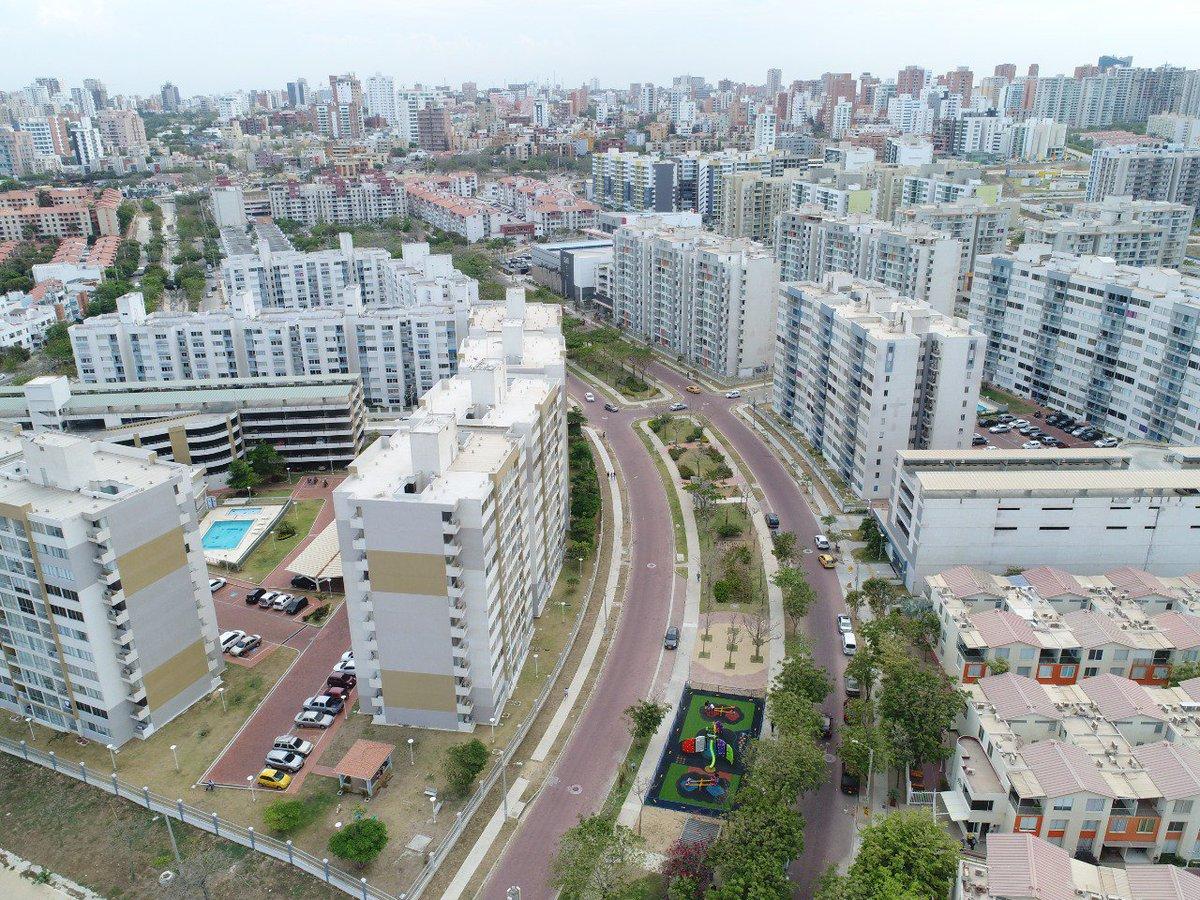 La Corporación, ha favorecido dándole facultades al Alcalde, para la ejecución de obras que encaminan a Barranquilla como una ciudad con proyección internacional.#zonasverdes  #mejoramientos #realización #remodelación #boulevard #construccióndeparquespúblicos, #canchasdeportivas pic.twitter.com/cXbzwlaoi1