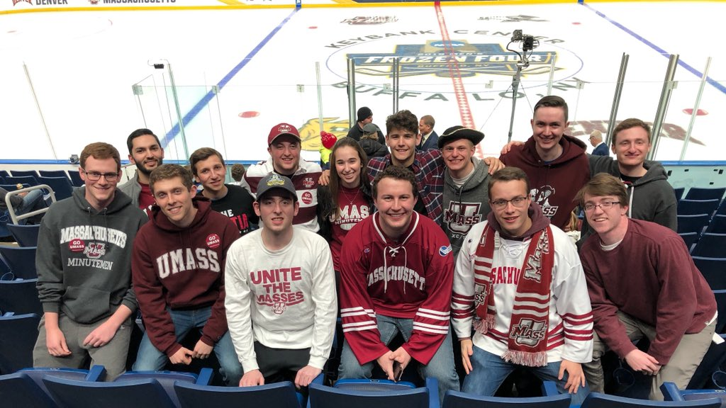 Been dreaming of this day for the longest time. @UMassHockey playing for the #NationalChampionship. We'll be screaming out hearts out in Section 326. LET'S WIN THIS 🏆 #MilitiaMafia