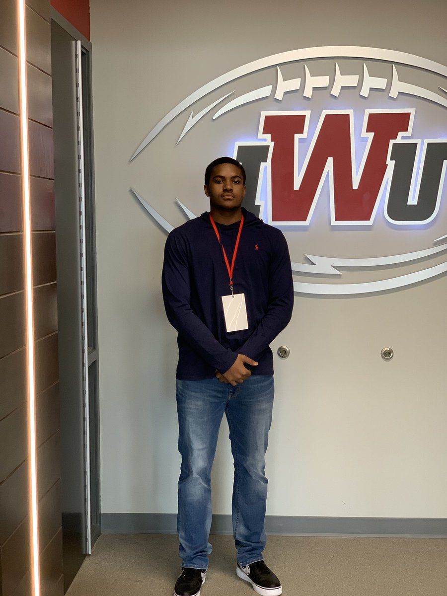 Thank you 🙏🏾👏🏾@IndWesleyan_FB @CoachTraz  For having me and making me feel at home. Had a great visit and can't wait to be back again. – at Indiana Wesleyan University