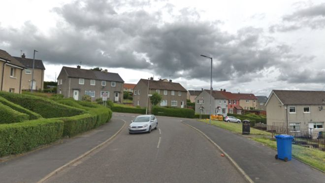 Woman aged 85 suffers head and facial injuries during break-in at Dumbarton house https://bbc.in/2DcD775