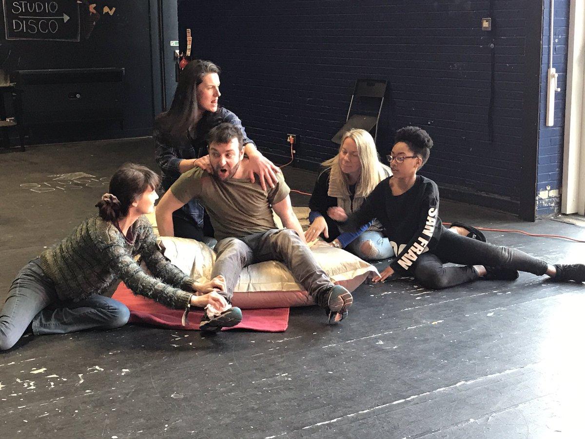 test Twitter Media - Bottom gets a pedicure! #AMidsummerNightsDream #theatreNI #PEACE #VaultStudio #Shakespeare #ArtsmatterNI @ANDborough @belfastcc @ArtsCouncilNI https://t.co/Hg0CdUY3uA