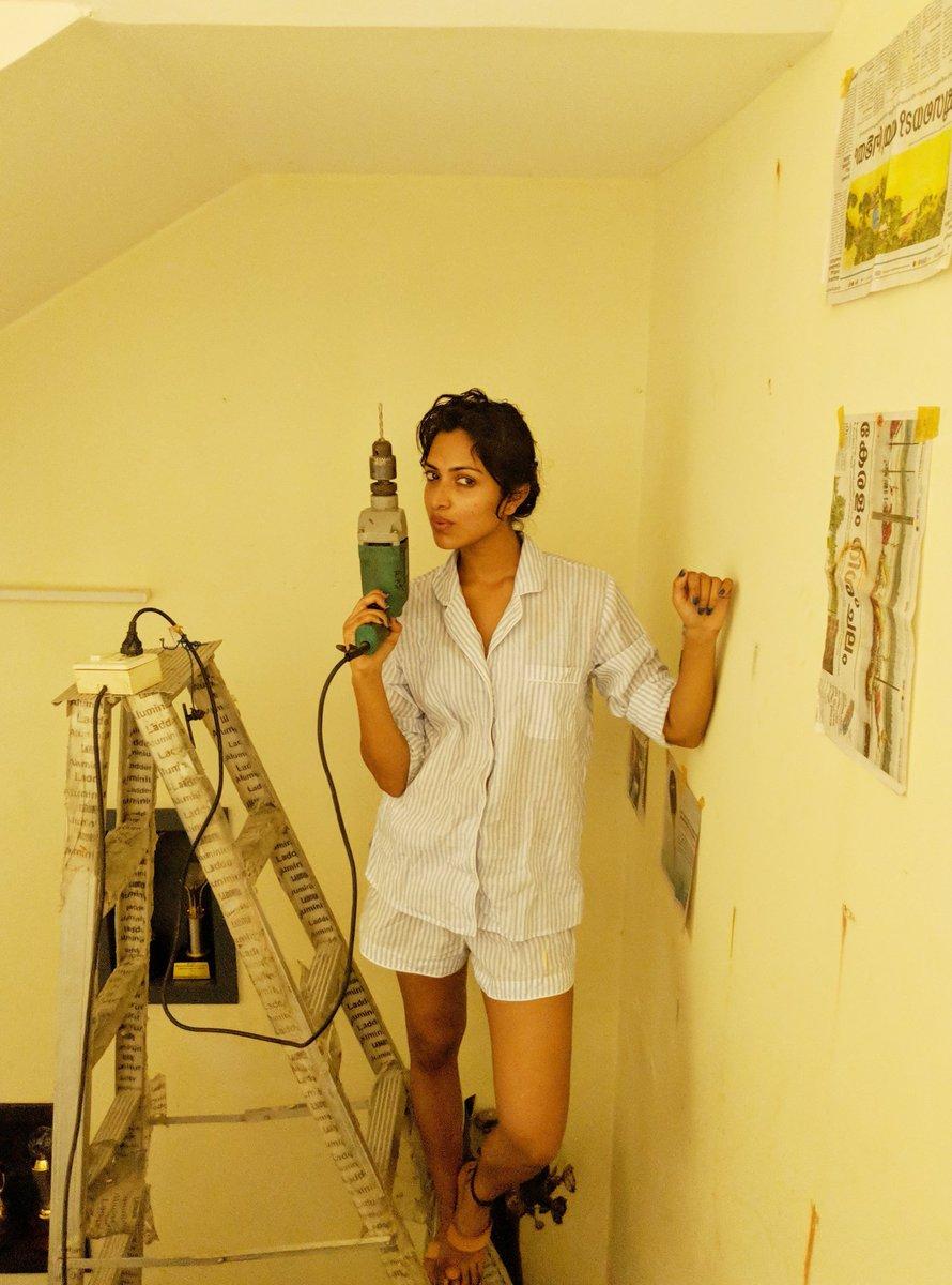 Amala Paul trolled for hot photo - Check