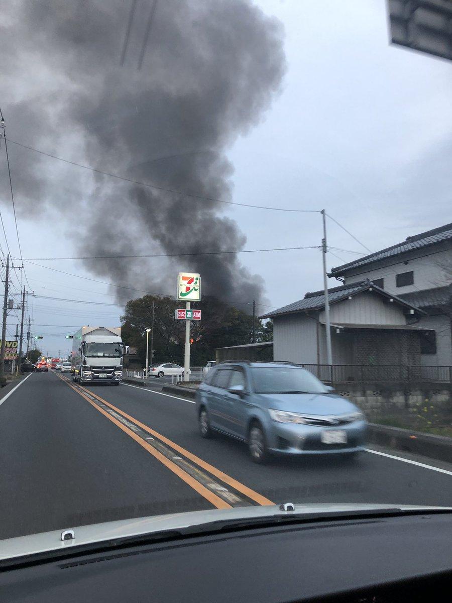 加須市串作の建物が燃えている火災現場の画像