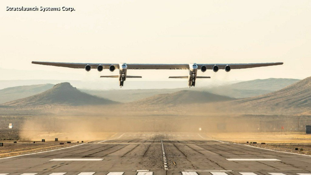Giant Stratolaunch jet flies for first time https://abc13.co/2Glp2G6