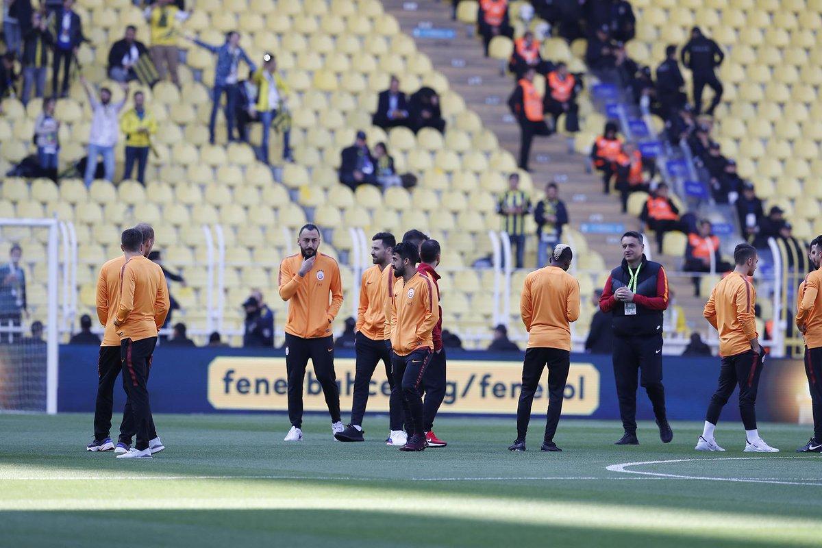 📸 | Pre-match warm-up! 🔥 #FBvGS