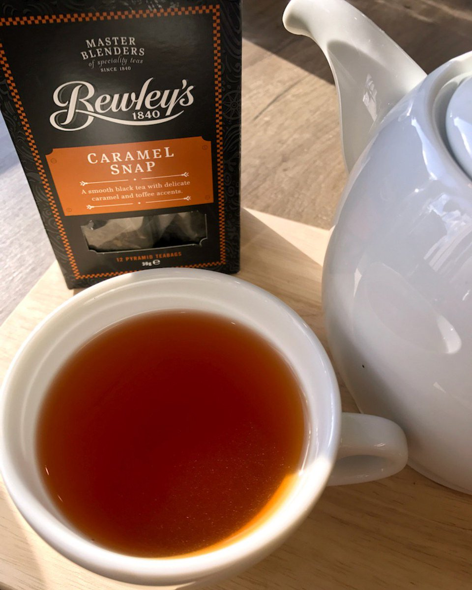 Because there's nothing like a post-Easter dinner cuppa with dessert. Order yours here: https://goo.gl/QgFJjc #Bewleys #BewleysBest