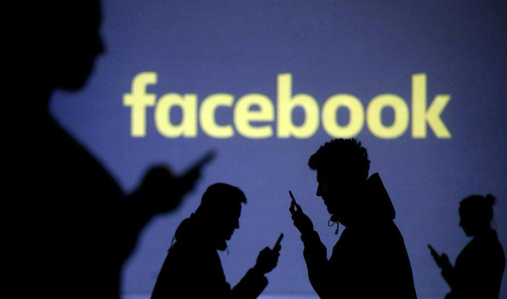 Facebook down for some users: https://t.co/IkJfWH14fB https://t.co/YYRhHE3LRE https://t.co/dnWDUNRu1b