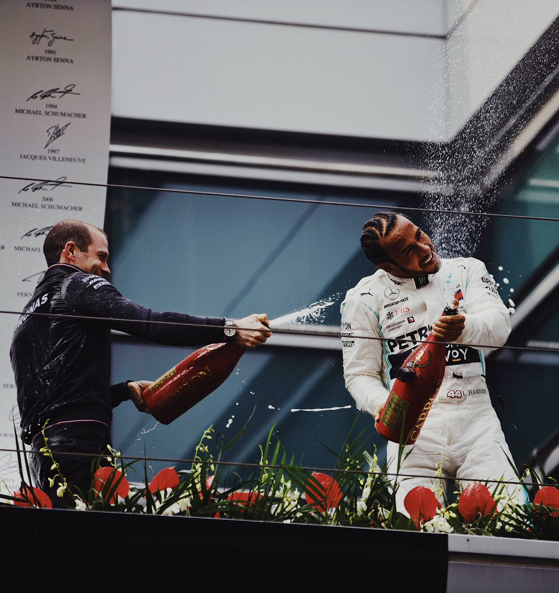 We got the 1000th. China, thank you for the incredible support and atmosphere, I'm so happy guys 🏆 . Huge thanks to everyone in the team, let's celebrate!! #P1 #TeamLHChina #Race1000 #ChineseGP @MercedesAMGF1
