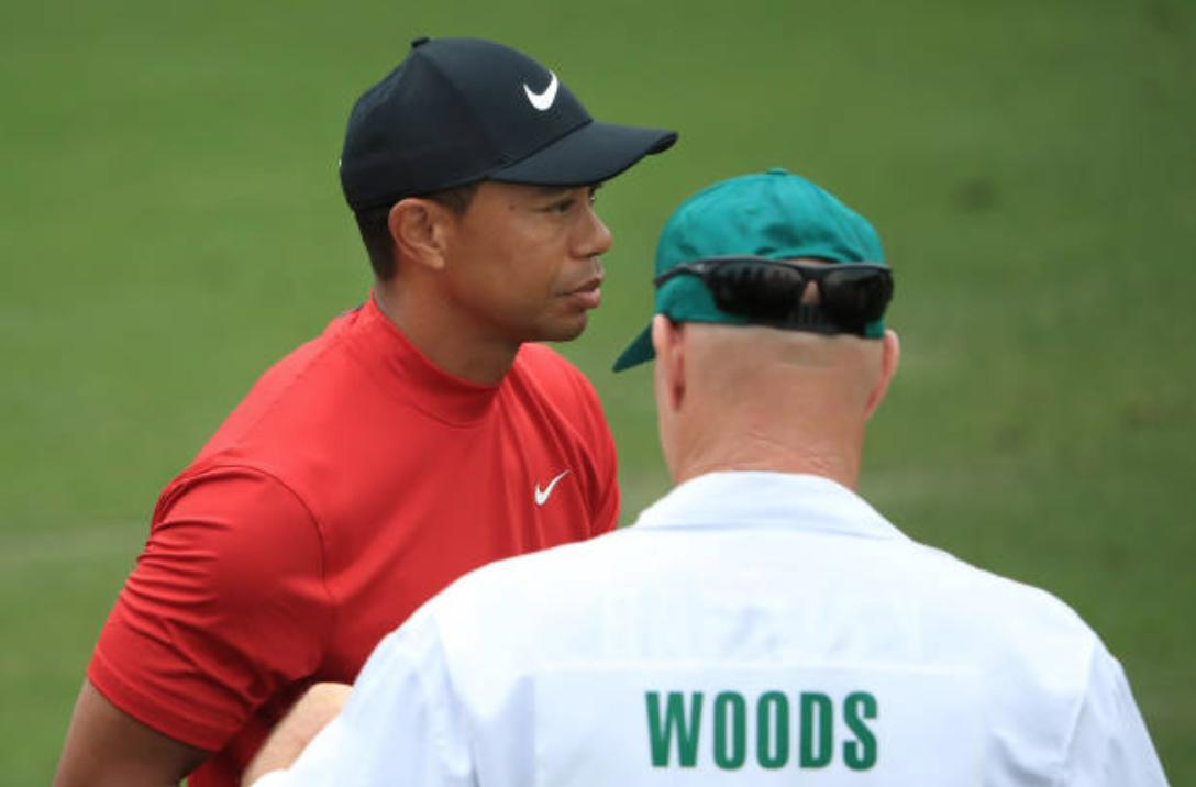 can confirm that Tiger's caddie Joe LaCava is rocking a Saquon Barkley #26 jersey under the jumpsuit today