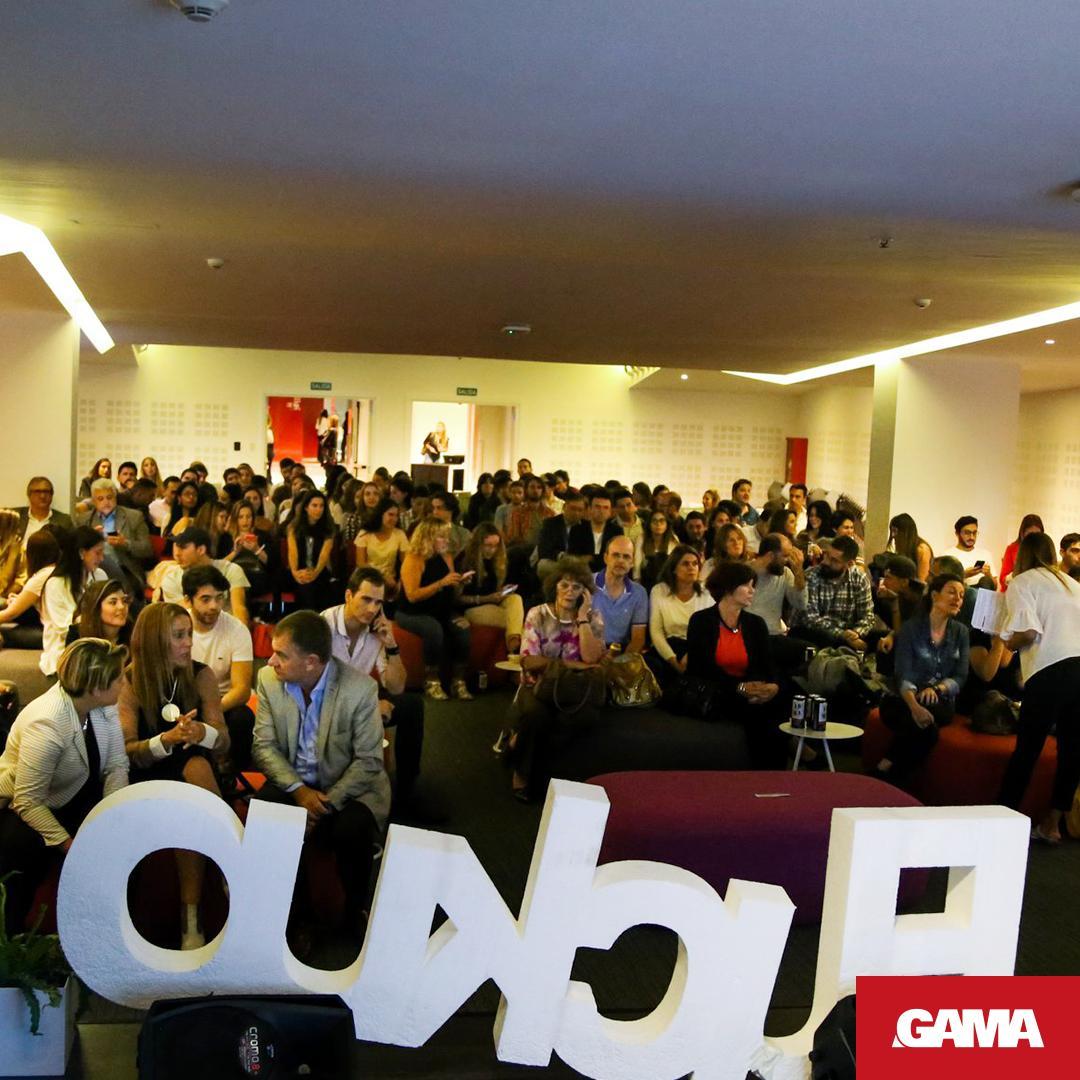 😎 Así vivimos el #FuckUpNights en #CIUDADGAMA 💪 Gracias Seba Gullo, Irene Prestiy Ercole Felippa y a Vualá por llevar adelante estos encuentros!  . . #gamadesarrollos #eventos #córdoba #invertiencordoba #sociales #friends #amigosdegama #fuckupnights #fuckupcba https://t.co/Vy41SCgwUI