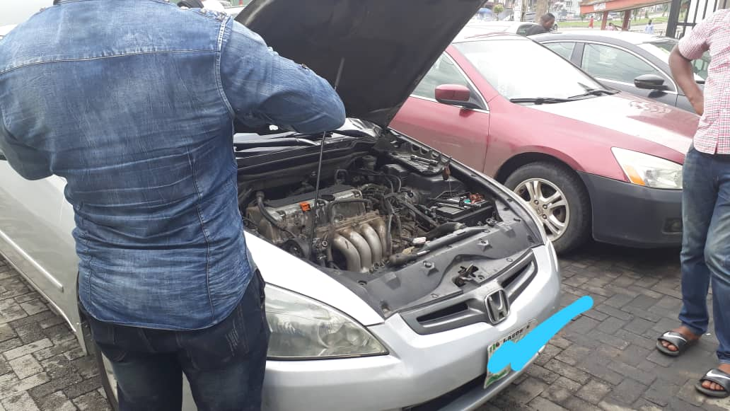 Nigerian Man Calls Out Forte Oil For Selling Water Instead Of Fuel Into His Car