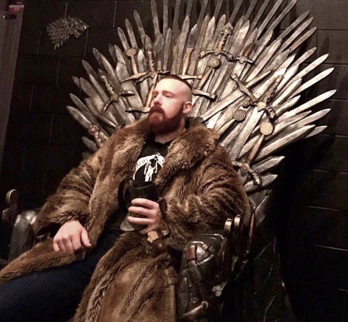Game of Thrones comes to #CelticWarriorWorkouts today to get you hyped for #GOT tonight. A genuine wild giant from North of the Wall... he came South to bench 👉🏻 http://www.youtube.com/CelticWarriorWorkouts…