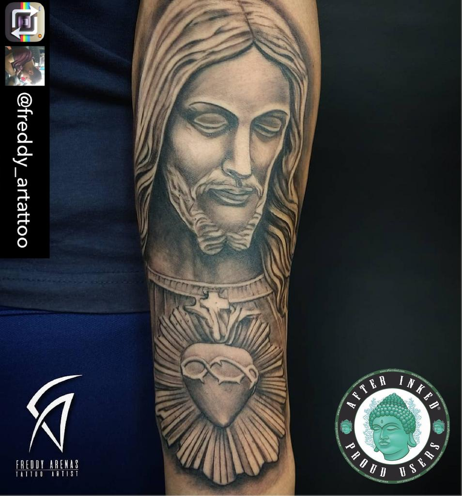 #afterinked #proudusers #formulatedforperfection #afterinkedeveryday #tattooaftercare #piercingaftercare #inkseal #npj #vegan