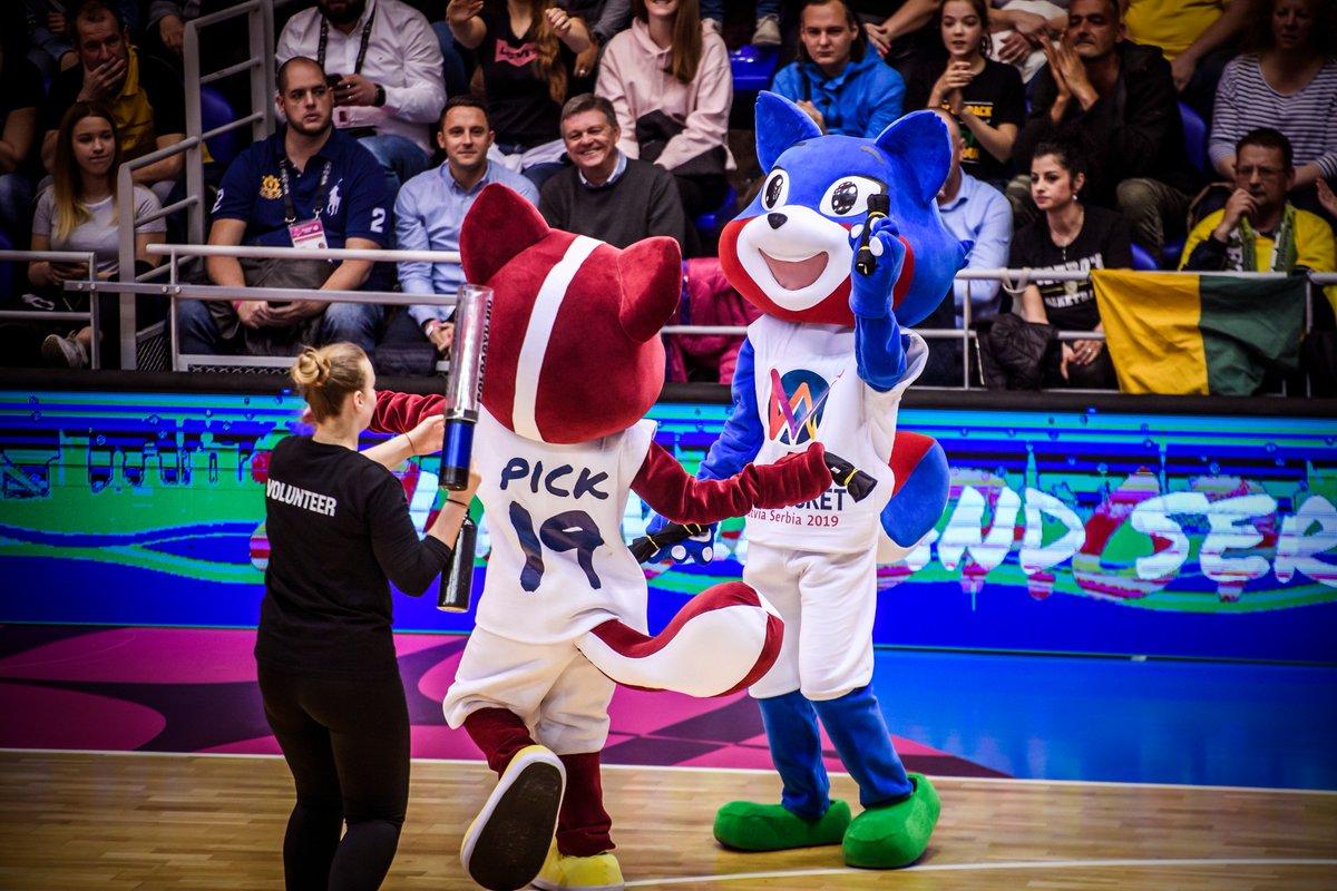 .@EuroBasketWomen mascots in attendance too tonight 🙌. #EuroLeagueWomen