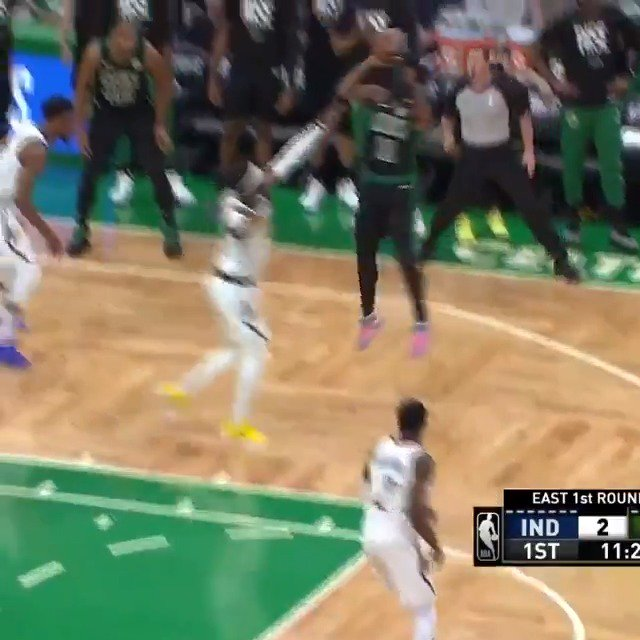 Kyrie with the early fadeaway for the @celtics! #NBAPlayoffs   #Celtics 6 #GoldDontQuit 12  ��: @NBAonTNT https://t.co/mYez867Ycz