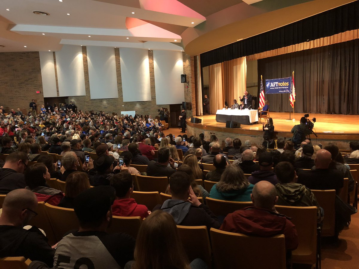 At Lordstown,OH Townhall with @BernieSanders and @rweingarten