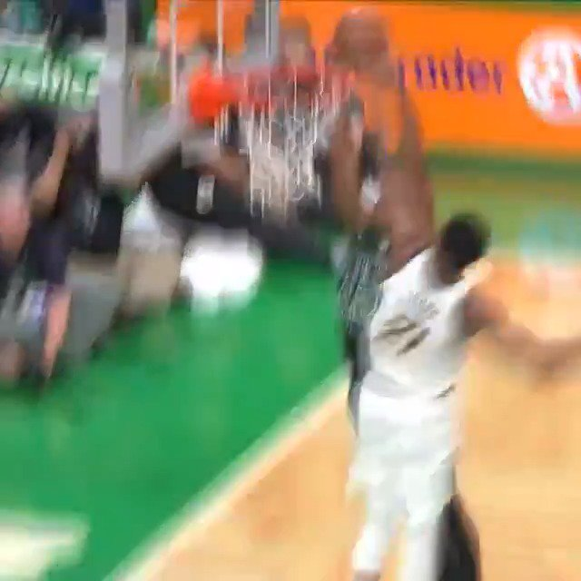 Thad Young HUSTLES back for the SWAT!  #GoldDontQuit 38 #Celtics 31  #NBAPlayoffs on @NBAonTNT https://t.co/ByqYeemYkA