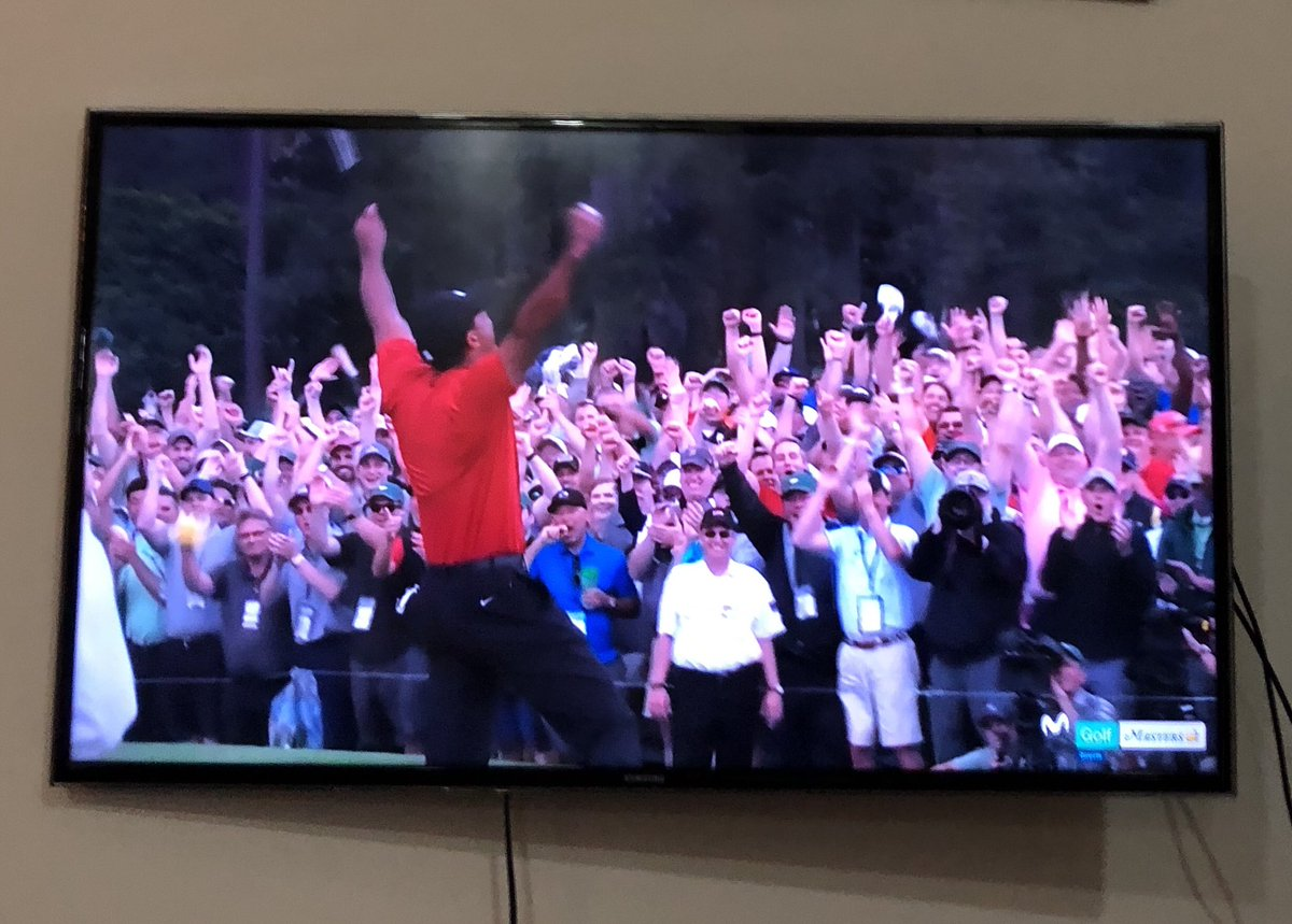 Tiger Woods vuelve a ganar el Masters de Augusta a sus 43 años. De película. La actitud con la que ha jugado los últimos nueve hoyos me ha impresionado, estaba en trance.