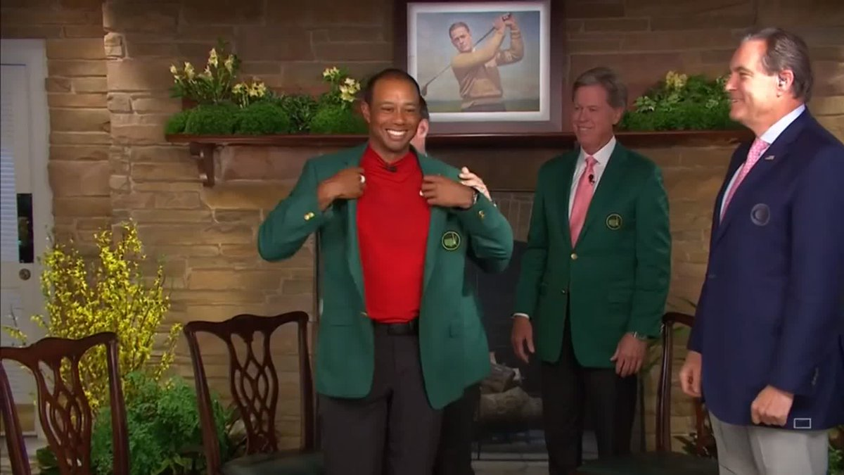 """It fits!""   Tiger Woods is presented with Green Jacket for the fifth time in the Butler Cabin. 👏  Tiger Woods stormed to a blockbusting Masters victory on one of the most dramatic, and earliest, finishes in Augusta National history: http://skysports.tv/VlrDAK"