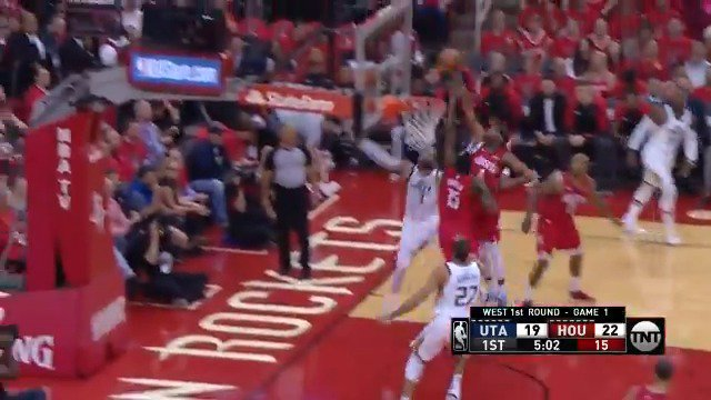 Danuel House Jr. swats it off the backboard! #NBAPlayoffs  #RunAsOne 26 #TakeNote 21  ��: @NBAonTNT https://t.co/iztEEfvsXS