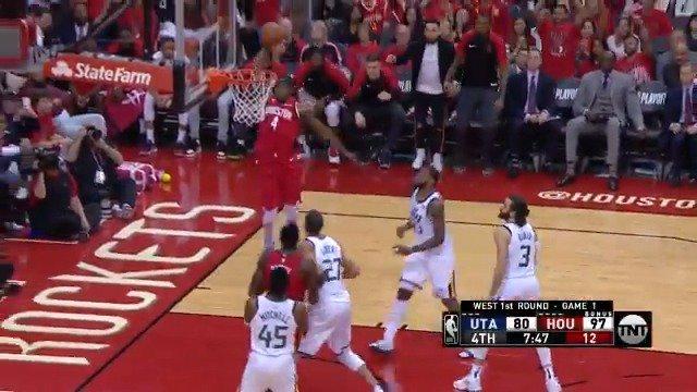Danuel House Jr. throws it down hard!   #RunAsOne 99 #TakeNote 82  #NBAPlayoffs on @NBAonTNT https://t.co/s5RjYzI9gk