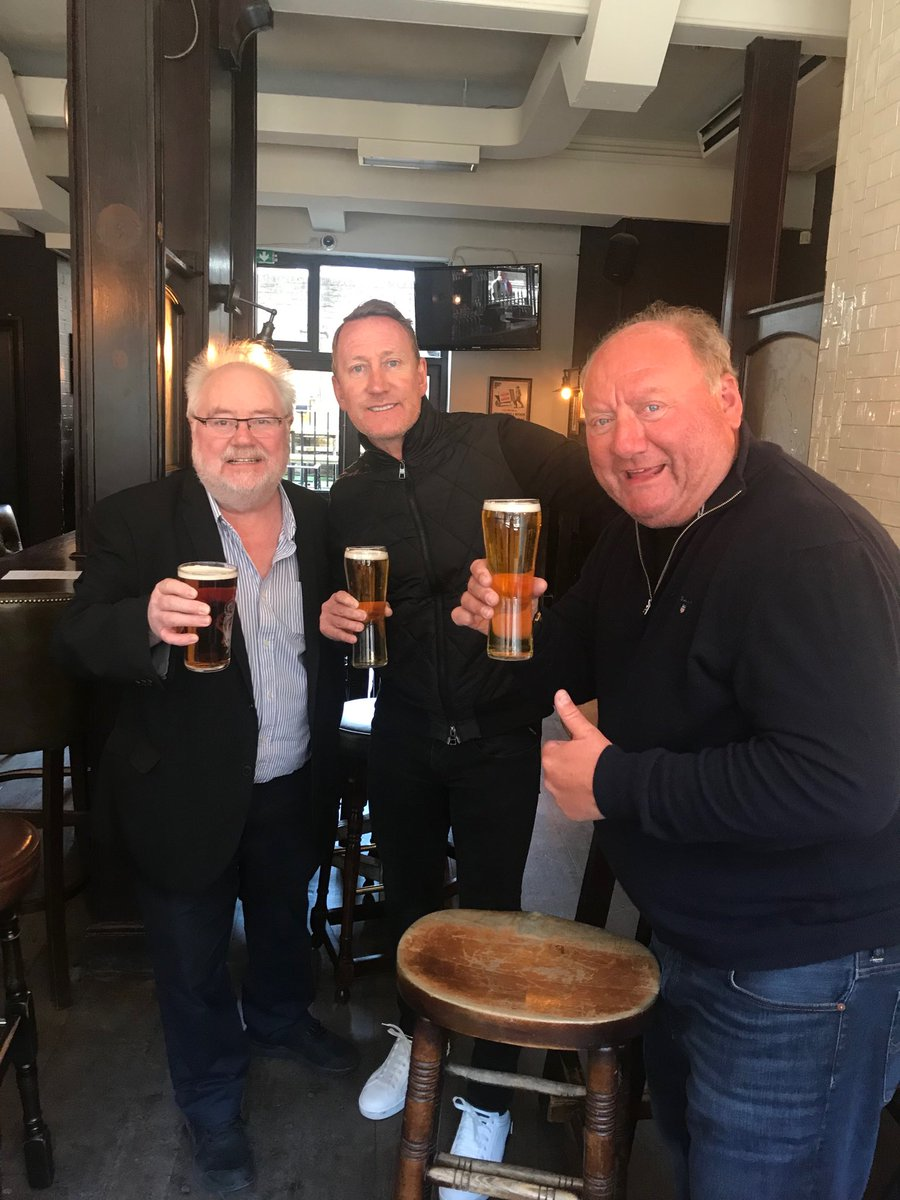Monday Club with ⁦@mikeparry8⁩ ⁦@alanbrazil⁩ cheers 🍻