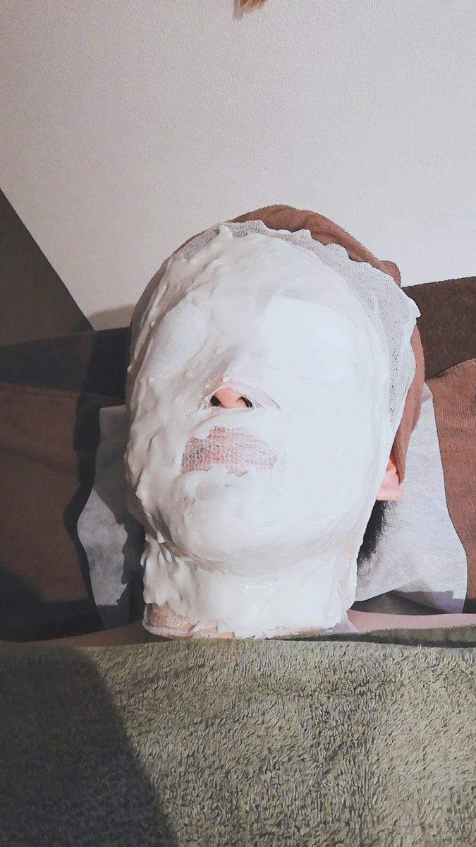 本日も洗顔~珪藻土パック体験して頂きました✨Mさま施術モデルにご協力下さり誠にありがとうございます?体もツルツルピカピカ✨にして一緒に素敵な夏を迎えましょ?当店で脱毛して頂いた方(お顔への刺激を避けるためヒゲ以外)は今なら無料体験できますよ