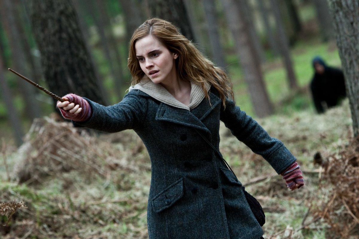 Happy birthday to the incredible @EmmaWatson ✨  Seen here as Hermione Granger in #HarryPotter and the Deathly Hallows: Part 1. https://t.co/RMRUuCs9R6