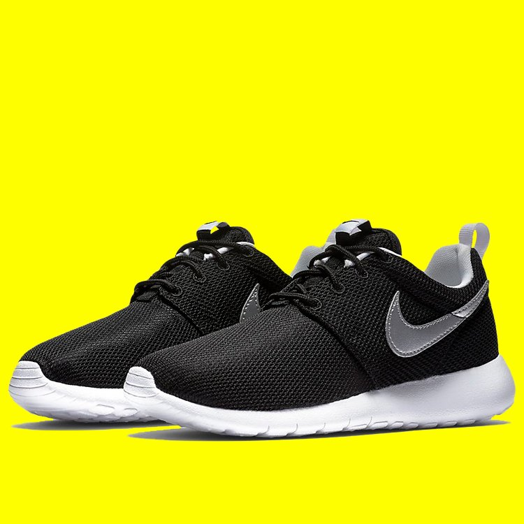 dc56d3220592 Lightweight and breathable - now £34.99 - http   ow.ly ad8Z50qhwdz - - -   summer  spring  style  fashion  junior  womens  nike  nikeroshe  roshe   nikekicks ...