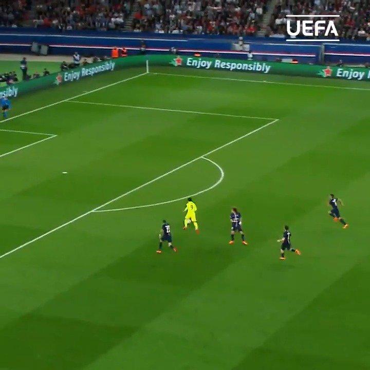 😱 Luis Suárez double #OnThisDay in 2015 = 🔥🔥🔥  #UCL   @FCBarcelona