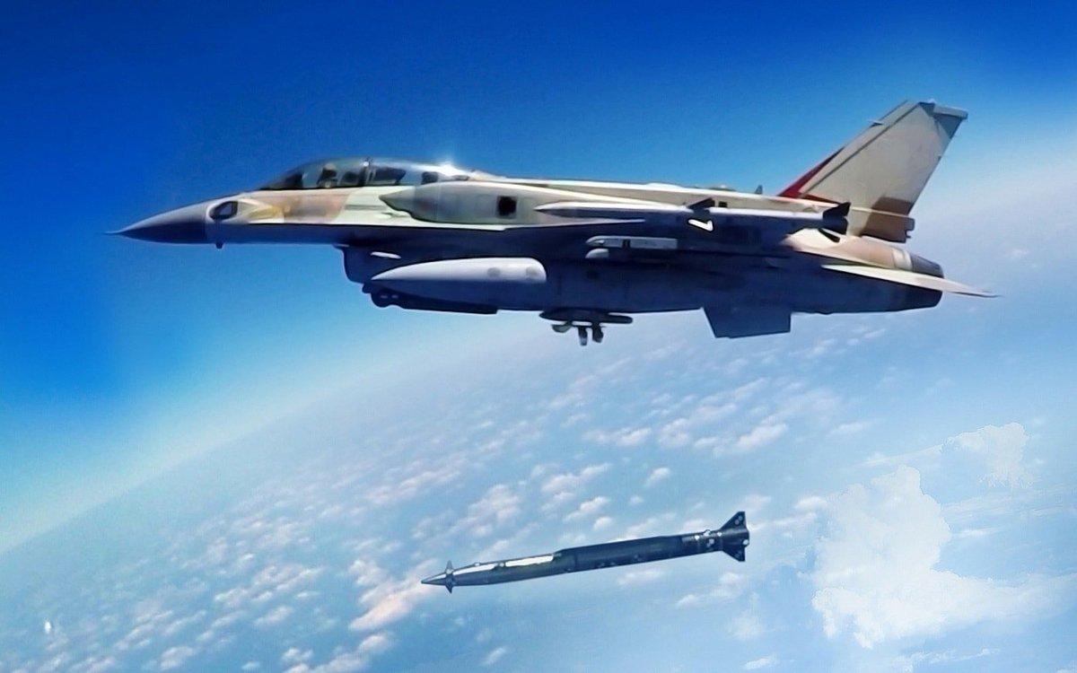 """موقع إسرائيلي: القصف على """"مصياف"""" السورية دمر صواريخ إيرانية من نوع """"زلزال 2"""" D4LlngYW4AAeoKo"""