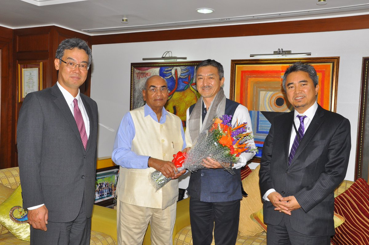 Its my pleasure to meet & gave farewell to Mr. Komei Watanabe, Executive Vice President, Chief Risk Officer (CRO) & Head of Corporate Planning of #IFFCOs General Insurance venture @IFFCO__TOKIO as he completed his tenure here. He will be joining Tokio Marine Innovation Lab now.