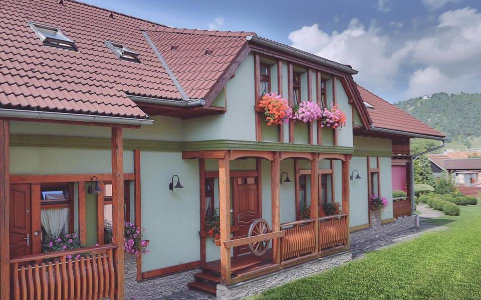 Comfortable Cottage Švárny near Thermal park Bešeňová https://t.co/cIqMsICu1e offers EASTER STAY: 19.04.2019 - 22.04.2019 Price 55 € 4 persons / room / night https://t.co/tcrlhDrOZX