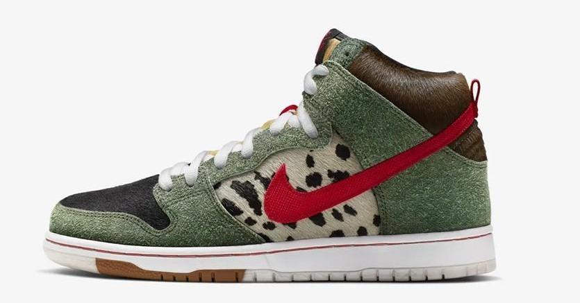 the best attitude 86b2d 711ec this wild nike sb walk the dog dunk has a dog poop sole