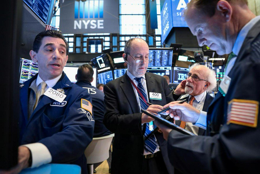 Stock futures muted ahead of big bank earnings https://reut.rs/2Gnxi8M