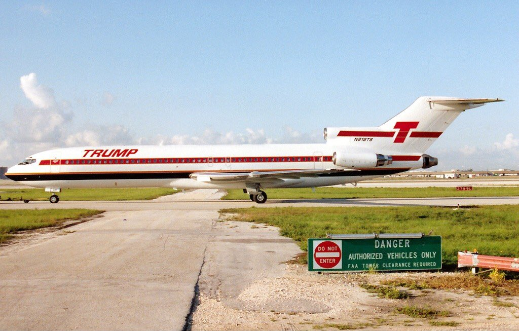 Remember Trump shuttle, his great airline company that lasted 3 years?  And he's giving an opinion to Boeing!   <br>http://pic.twitter.com/szrSaat7cr