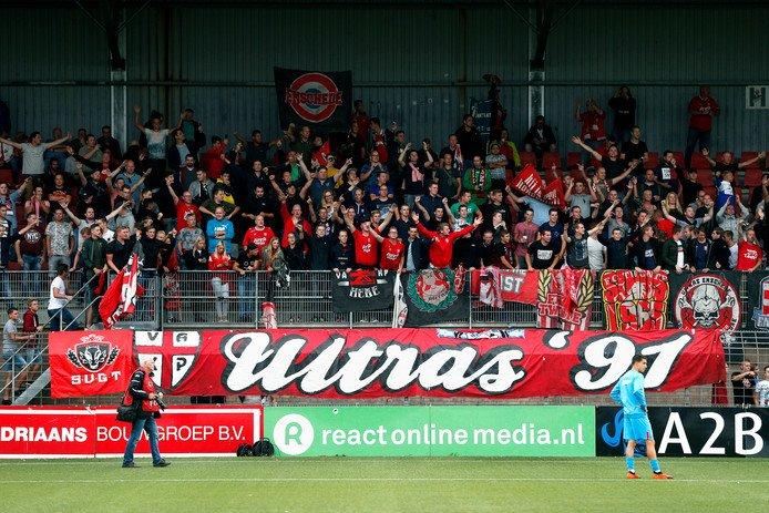 Ajax heeft het verzoek om de wedstrijd tussen Jong Ajax en FC Twente in de Johan Cruijff Arena te spelen afgewezen. Dat betekent dat er 'maar' 185 uitsupporters op de Toekomst aanwezig zullen zijn.
