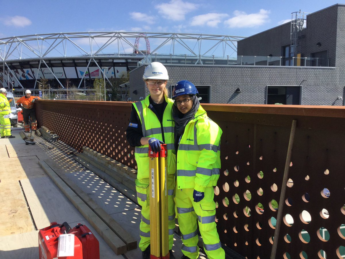 Masuma's @Balfourbeatty #siteengineer work experience week @ East Wick & Sweetwater Specified Infrastructure Works was a stunning success! Her mentor, Balfour Beatty Graduate of the Year winner Lina, was v impressed by Masuma & how she 'got involved with everything & everyone'!