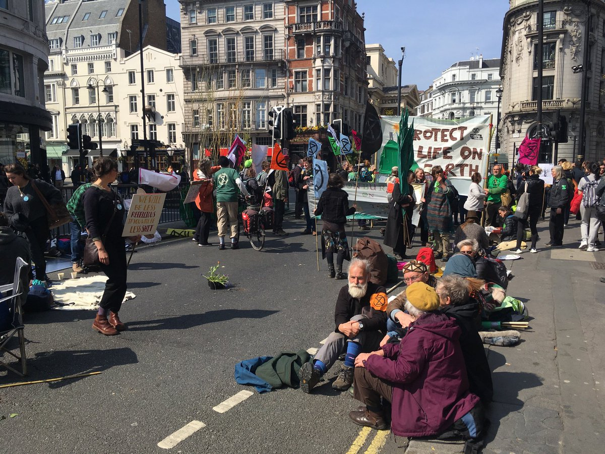 Just spent my lunch hour with these fine folk at Waterloo Bridge #ExtinctionRebellion