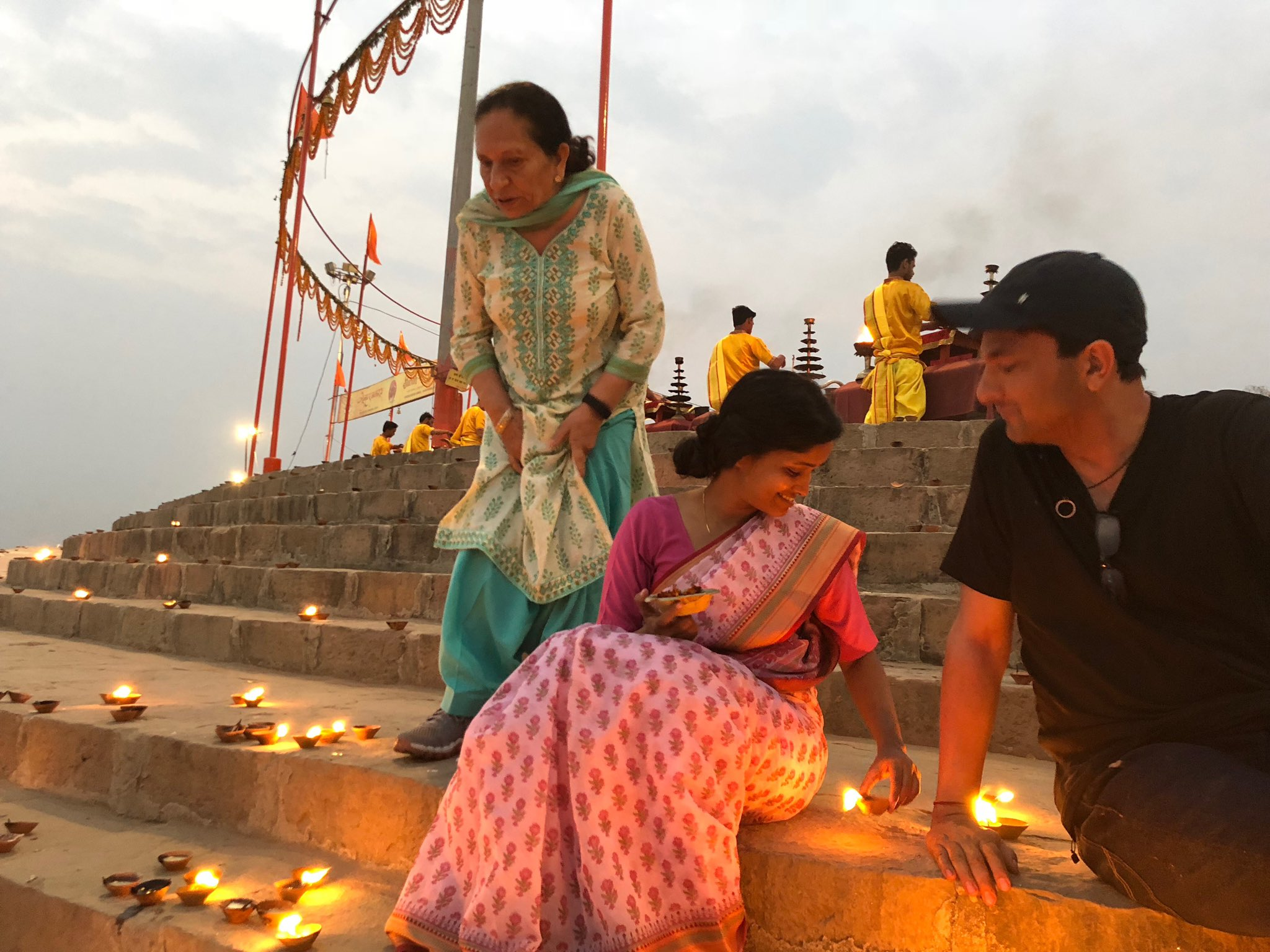 Vikas Khanna: Even the priest said that its very windy, the lamps won't light. Shoot some other day...