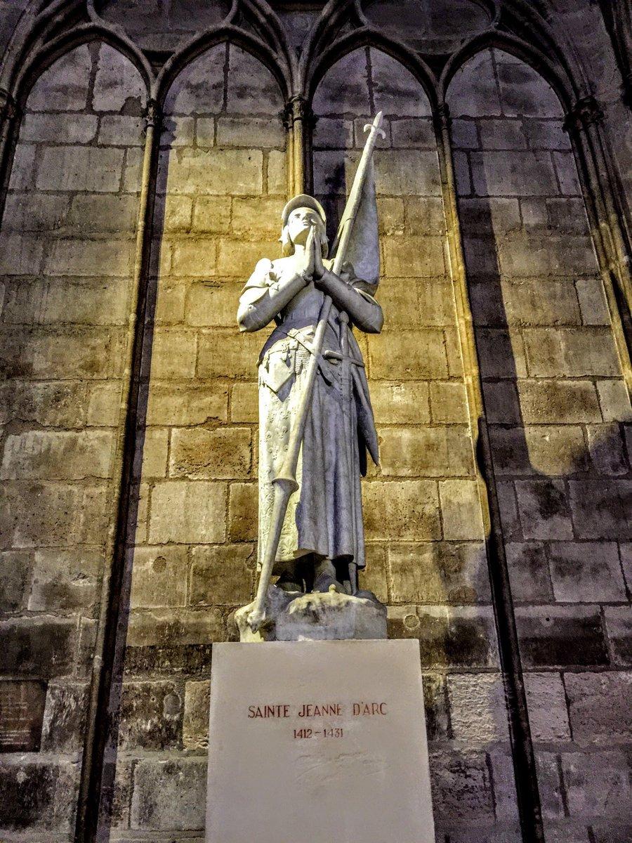 N O S ⋊ Ɔ I ᴚ ᴚ Ǝ ᗡ   ⊥ ⊥ O Ɔ S's photo on Joan of Arc