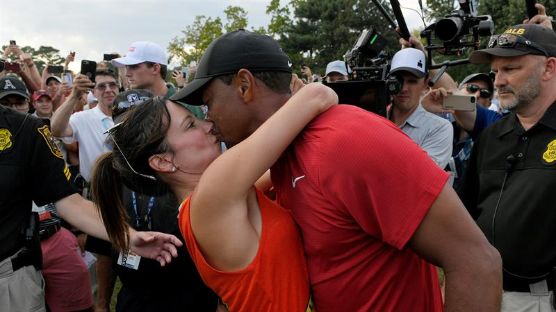 Who is #TigerWoods girlfriend? Here's everything we know about their private life! https://t.co/Fk7N4YWy3C https://t.co/BfufnOWrCX