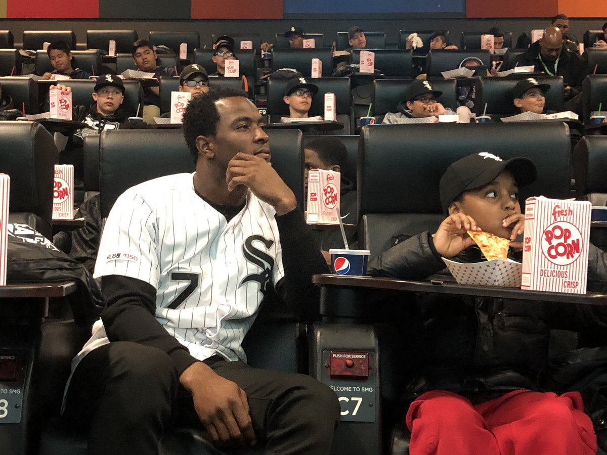 """#WhiteSox  shortstop Tim Anderson treating over 75 kids to a screening of """"42"""" to celebrate Jackie Robinson Day @WGNNews<br>http://pic.twitter.com/JdqKDpmWIP"""