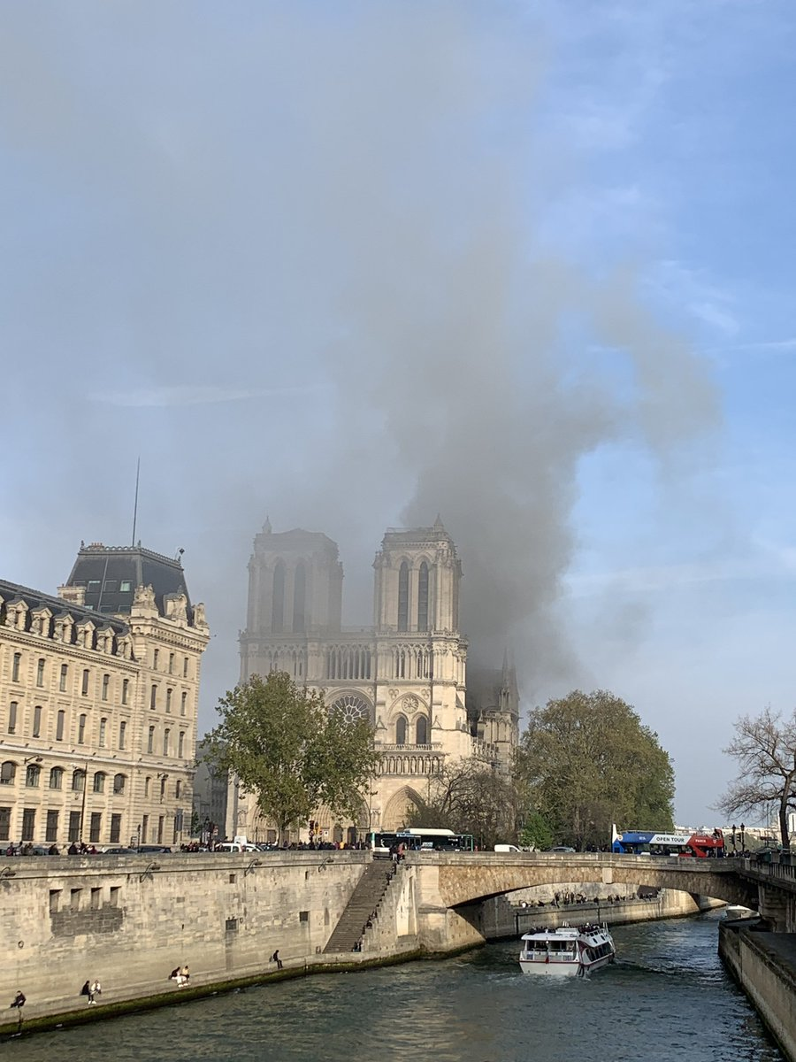 David Almacy On Twitter Smoke Billowing From Notre Dame Cathedral