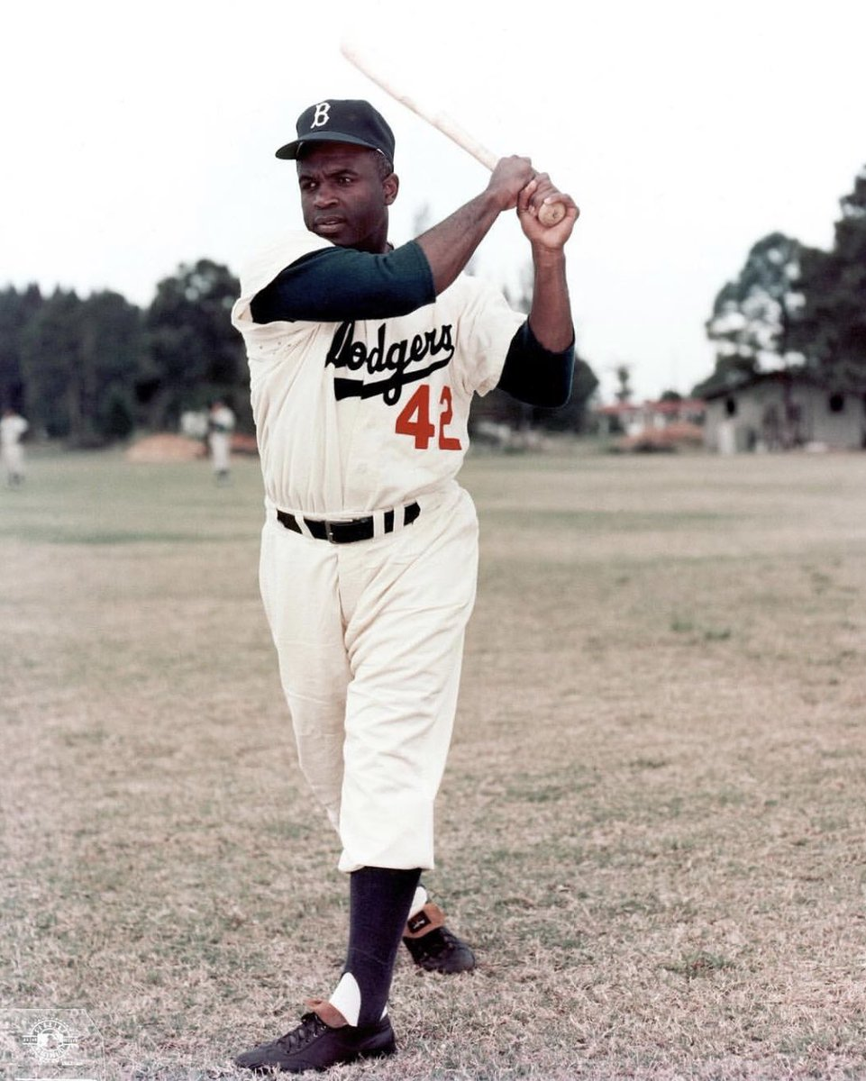 Jackie, thank you for everything you did and went through. You made it possible for me to live my  dream! #JackieRobinsonDay #Jackie42 <br>http://pic.twitter.com/gKLKE7mc50