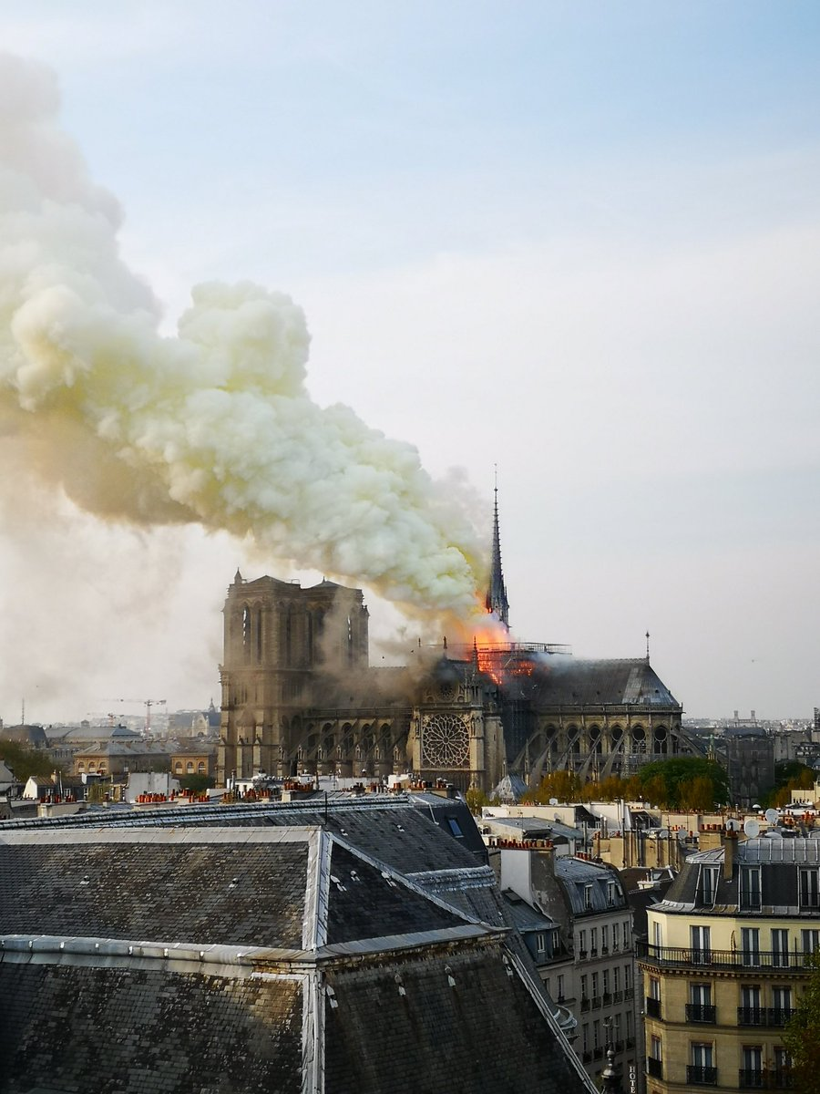 Witness image shows fire burning from the top of historic Notre Dame Cathedral in Paris. https://t.co/kdrUxk2XiK https://t.co/jz8GhX10Gq