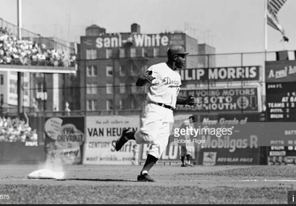 #JackieRobinsonDay My dad took me to see him play at Ebbets Field in 1955! My 1st baseball game! <br>http://pic.twitter.com/xqqqtlb2hM