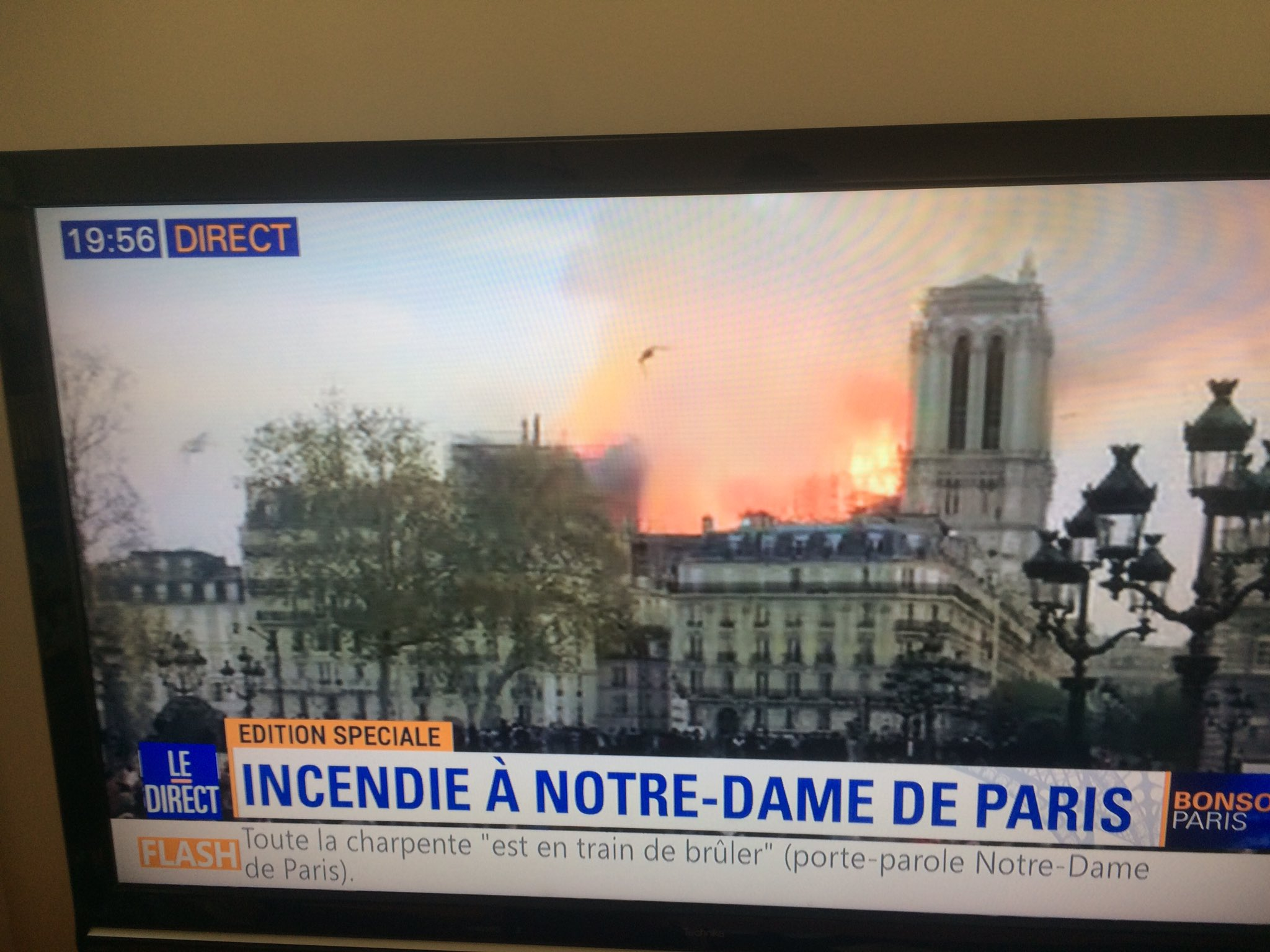 Looks like the roof is going to be completely destroyed.  #NotreDameFire https://t.co/tQKcs9nF9Z